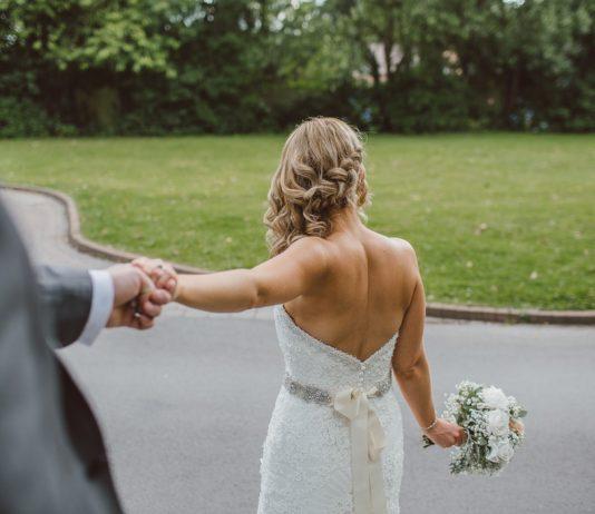 Cómo cambiar tu look para la fiesta de boda sin usar otro vestido