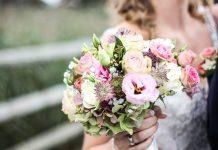 usar flores falsas en tu boda