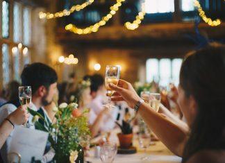 planificar el menú de bebidas una boda