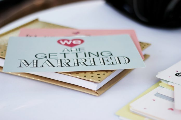 errores de invitación de boda que debes evitar