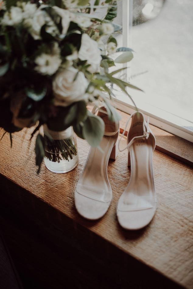 cómo usar zapatos de novia sin molestias
