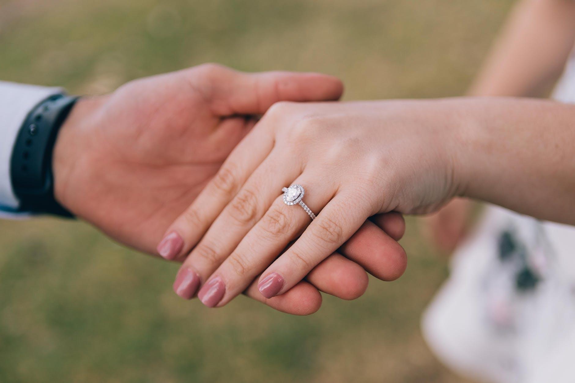 tendencias de anillos de compromiso