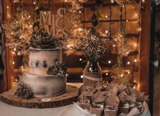 cómo crear una mesa de postres para bodas